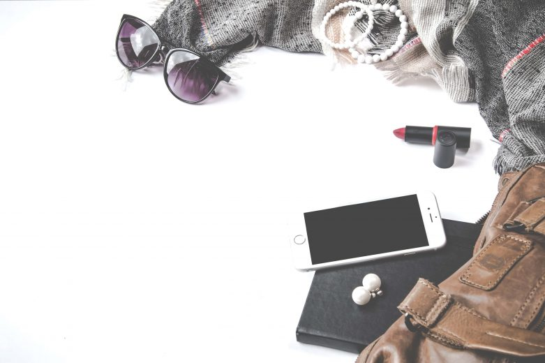 Top 5 accessories women like to carry the most